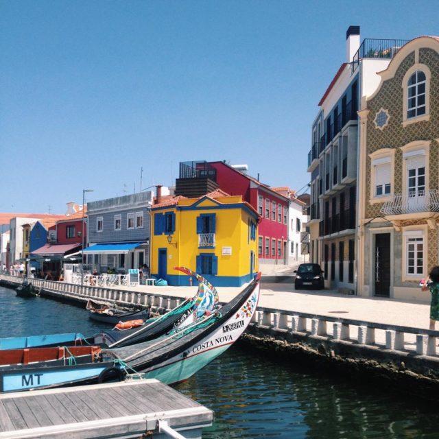 Da 10 Canales y colores De camino a Oporto noshellip