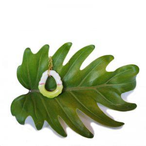 Colgante artesanal verde